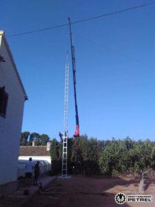 camion grua autocargante monovar antena
